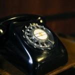 今や0円でも開設可能な固定電話。今の時代にメリットはあるのか?