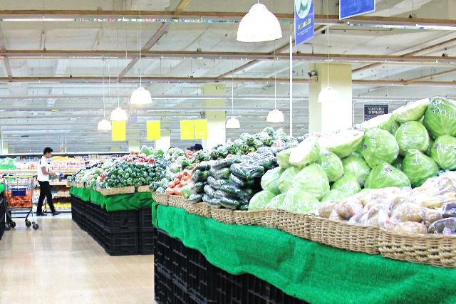 スーパー、商店街、コンビニ、同じものを売っているのにどうしてここまで値段が違うのか?