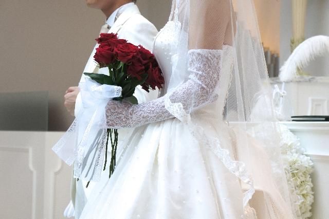 コスパで語れるのか!?約340万円もかかる結婚式